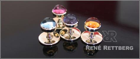 Frackknopf Anfertigung im eigenen Goldschmiedeatelier | Entdecken Sie hier unsere hochwertige Frackknopfkollektion | individuelle Anfertigung nach Ihren Vorgaben mit Gravur, bunten Edelsteinen oder klassisch mit Onyx oder Mondstein